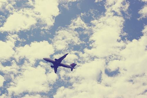 Картинки самолетов с надписями на небе