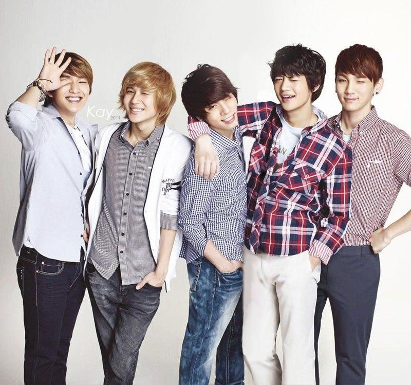 группа корейцев шайн фото большинстве японских