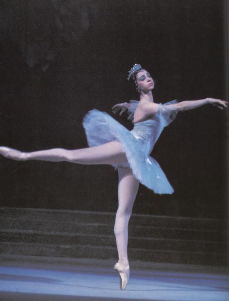 У балерины между ног фото
