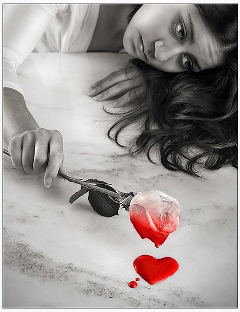 дипломатической картинки разбитое сердце со слезами тазобедренных